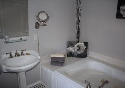 RM-5-Bath-1-A-sm1