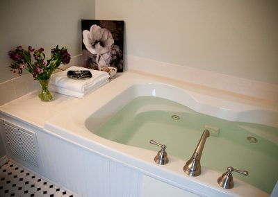 Jersey Shore Bed and Breakfast Hotel Jacuzzi Tub