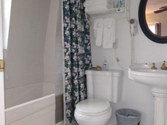 Jersey Shore Hotel Private Bath