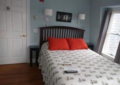NJ Hotel Queen Bed
