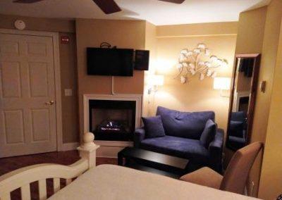 Fireplace pullout sofa Jersey Shore B&B
